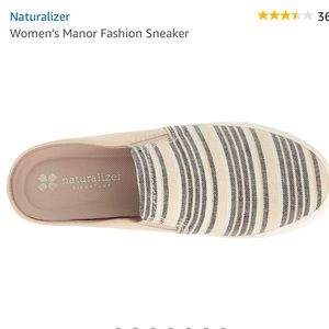 NATURALIZER MANOR STRIPED SLIP ON SNEAKER Sz 6